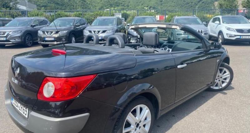 Renault Megane CC 2.0 16V 136CH LUXE DYNAMIQUE Noir occasion à VOREPPE - photo n°2