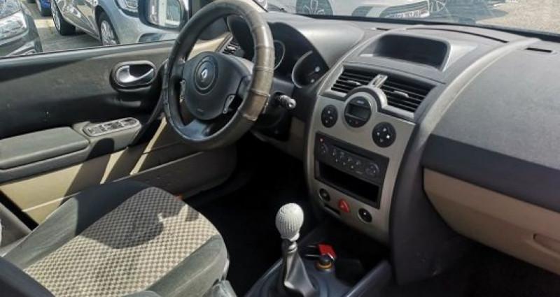 Renault Megane Estate ESTATE Gris occasion à Les Pennes-Mirabeau - photo n°5