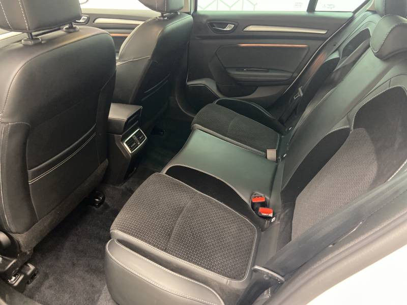 Renault Megane Estate IV ESTATE TCe 160 EDC FAP Intens Blanc occasion à Mont de Marsan - photo n°12
