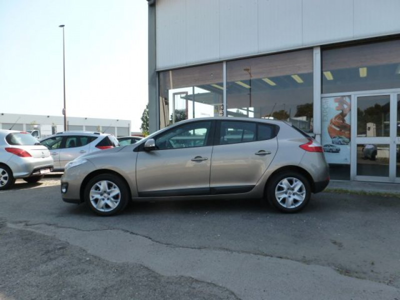 Renault Megane III 1.5 DCI110 FAP EXPRESSION ECO² Beige occasion à TOULOUSE - photo n°2