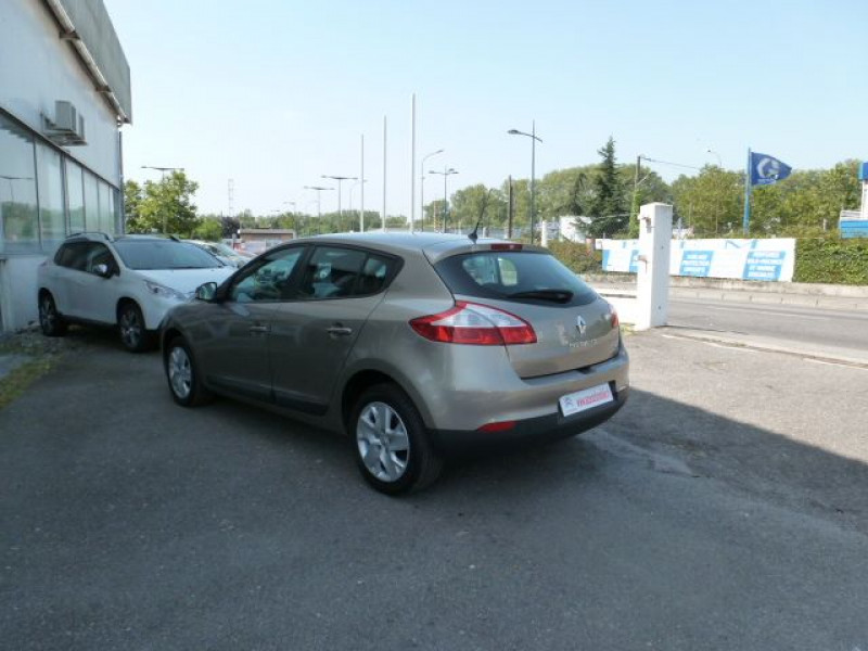 Renault Megane III 1.5 DCI110 FAP EXPRESSION ECO² Beige occasion à TOULOUSE - photo n°13