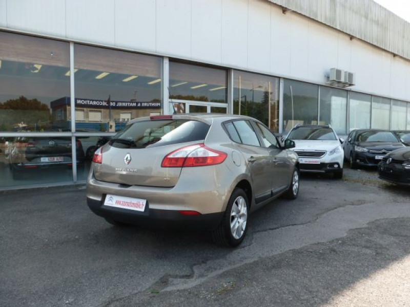 Renault Megane III 1.5 DCI110 FAP EXPRESSION ECO² Beige occasion à TOULOUSE - photo n°4