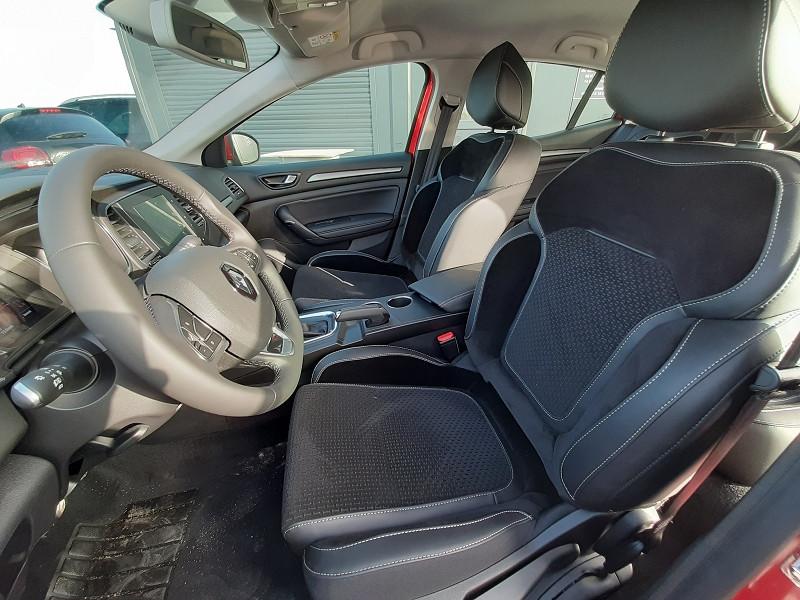 Renault Megane IV 1.3 TCE 140CH FAP INTENS EDC Rouge occasion à Serres-Castet - photo n°8