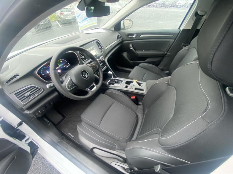 Renault Megane IV 1.6 E-TECH PLUG-IN 160CH BUSINESS Blanc occasion à Serres-Castet - photo n°8