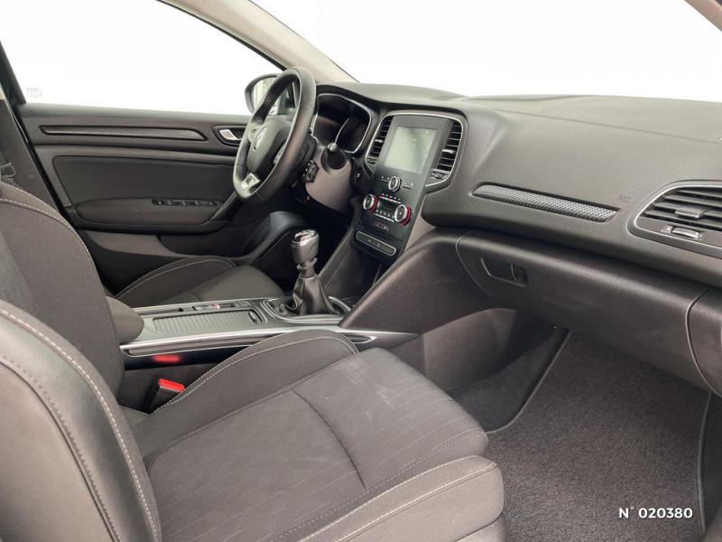 Renault Megane 1.2 TCe 100ch energy Limited Noir occasion à Saint-Léonard - photo n°4