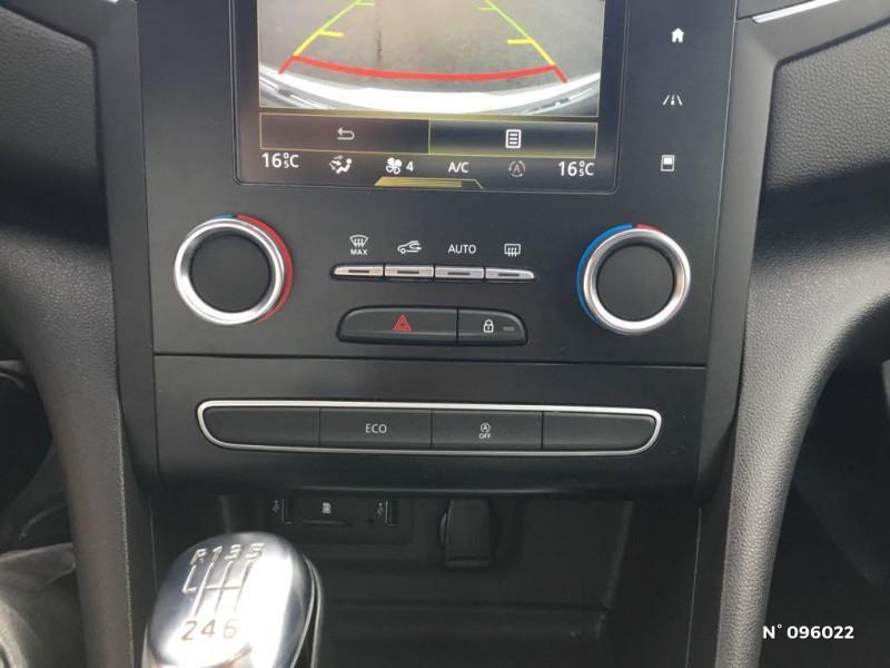Renault Megane 1.3 TCe 140ch energy Intens Gris occasion à Compiègne - photo n°15