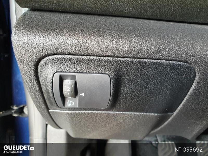 Renault Megane 1.3 TCe 140ch FAP Business Bleu occasion à Saint-Maximin - photo n°15