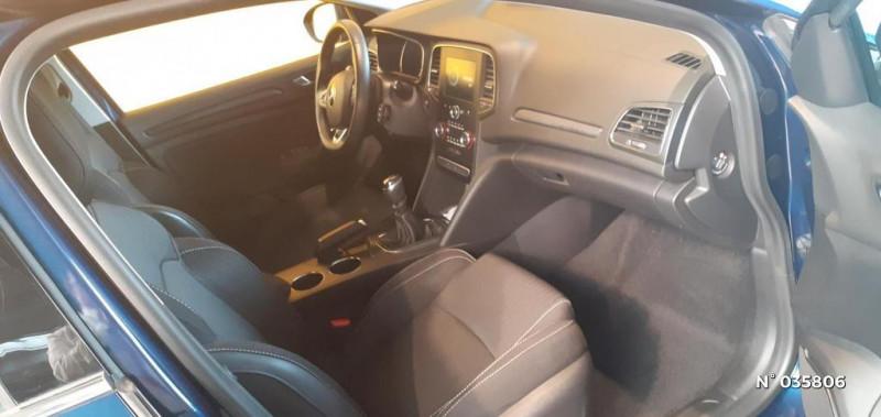 Renault Megane 1.5 Blue dCi 115ch Business Bleu occasion à Saint-Maximin - photo n°4