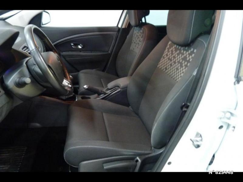 Renault Megane 1.5 dCi 90ch Limited eco² Blanc occasion à Avon - photo n°5