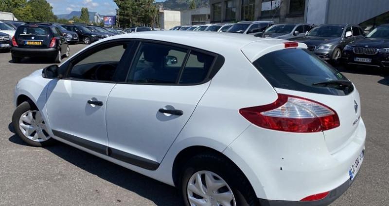 Renault Megane 1.6 16V 110CH ECO² Blanc occasion à VOREPPE - photo n°2
