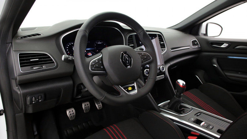 Renault Megane 5P 1.3 TCe 140ch Manuelle/6 Intens Blanc occasion à SAINT-GREGOIRE - photo n°18