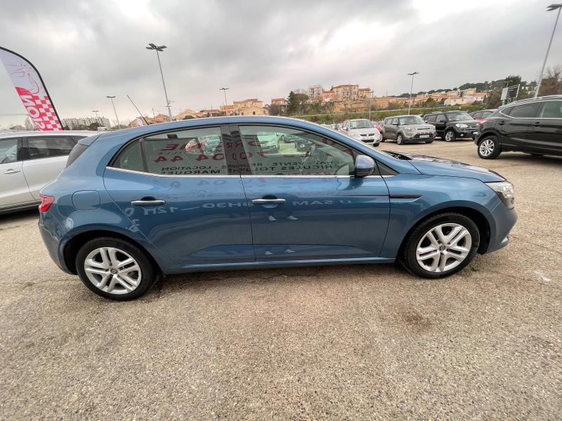 Renault Megane IV 1.5 dCi 110ch Business EDC (Megane 4) Bleu occasion à Marseille 10 - photo n°5