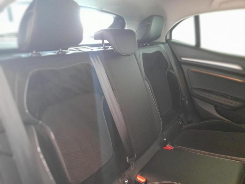Renault Megane IV BERLINE Blue dCi 115 EDC Intens Gris occasion à PLOUMAGOAR - photo n°7