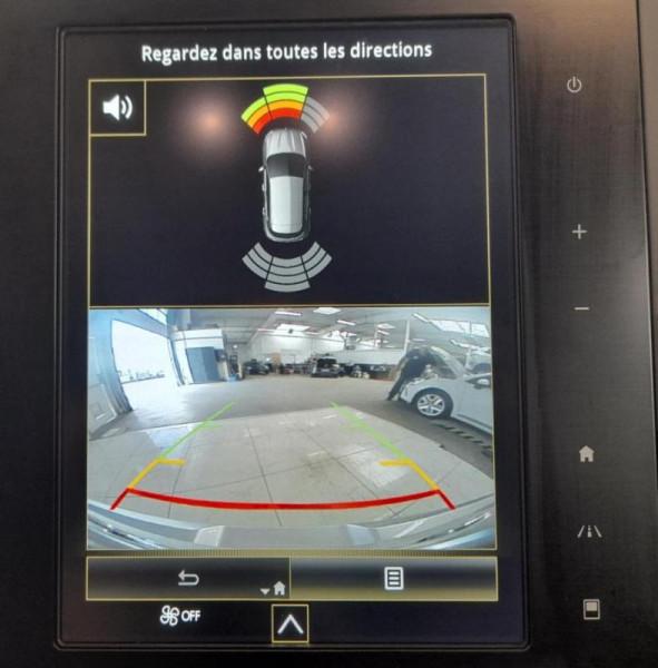 Renault Megane IV BERLINE Blue dCi 115 EDC Intens Gris occasion à PLOUMAGOAR - photo n°9