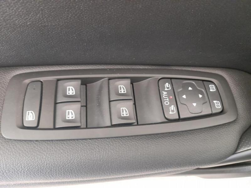 Renault Megane IV BERLINE Blue dCi 115 EDC Intens Gris occasion à PLOUMAGOAR - photo n°8