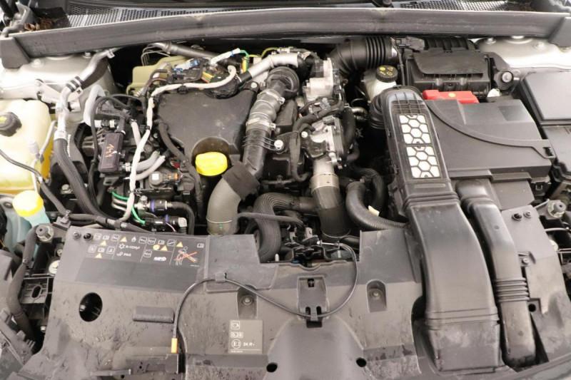Renault Megane IV BERLINE TCe 140 FAP Intens Gris occasion à La Garde - photo n°14
