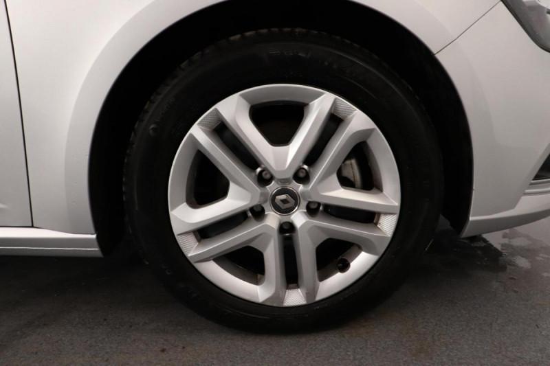 Renault Megane IV BERLINE TCe 140 FAP Intens Gris occasion à La Garde - photo n°10