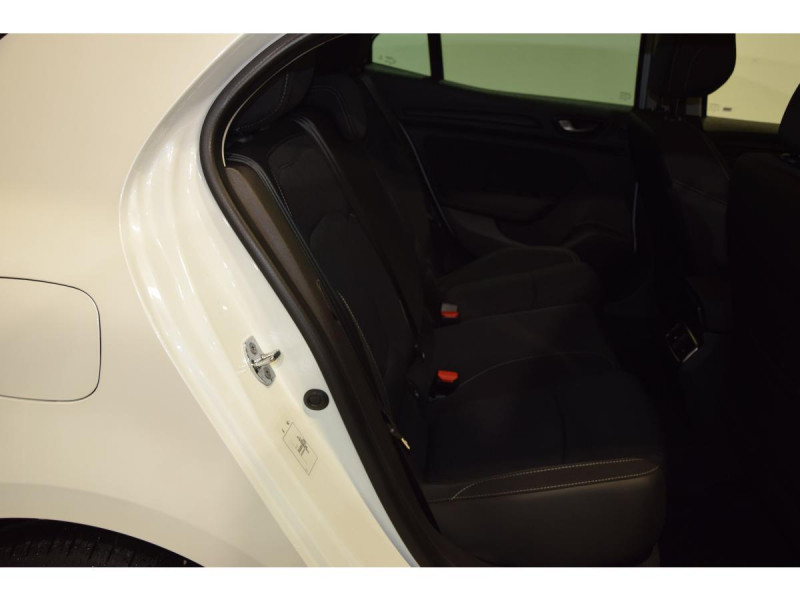 Renault Megane Mégane 1.3 TCe - 115 - FAP  IV BERLINE Limited PHASE 1 Blanc occasion à Riorges - photo n°8