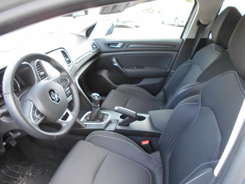 Renault Megane Mégane IV Estate TCe 115 FAP Business Gris occasion à Bessières - photo n°8