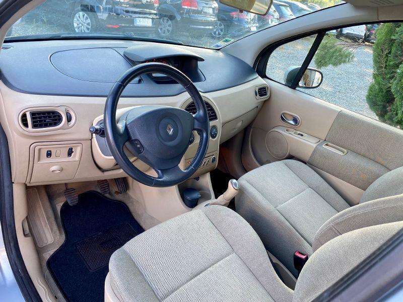 Renault Modus 1.5 dCi 80ch Confort Dynamique Gris occasion à Castelmaurou - photo n°3