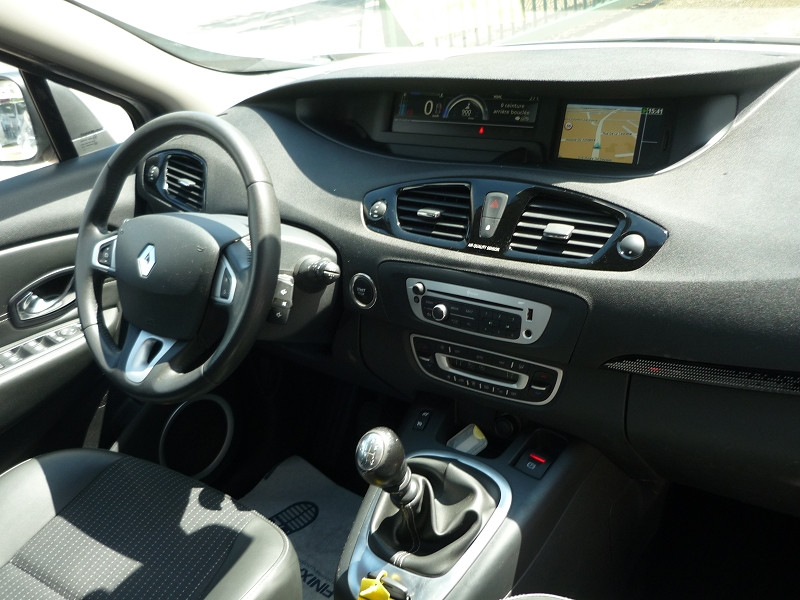 Renault Scenic III 1.6 DCI 130CH ENERGY DYNAMIQUE ECO² Gris occasion à Toulouse - photo n°6