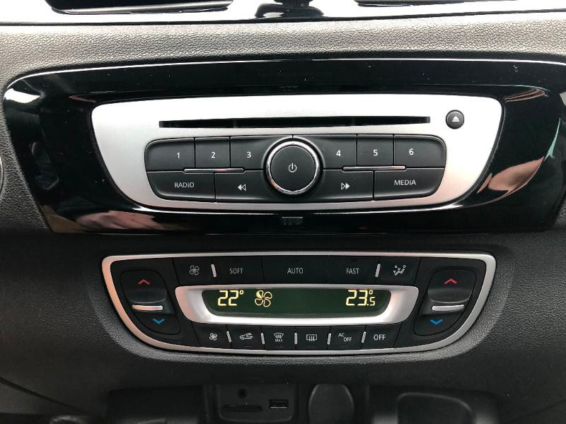 Renault Scenic 1.5 dCi 110ch Bose EDC Gris occasion à Gien - photo n°16