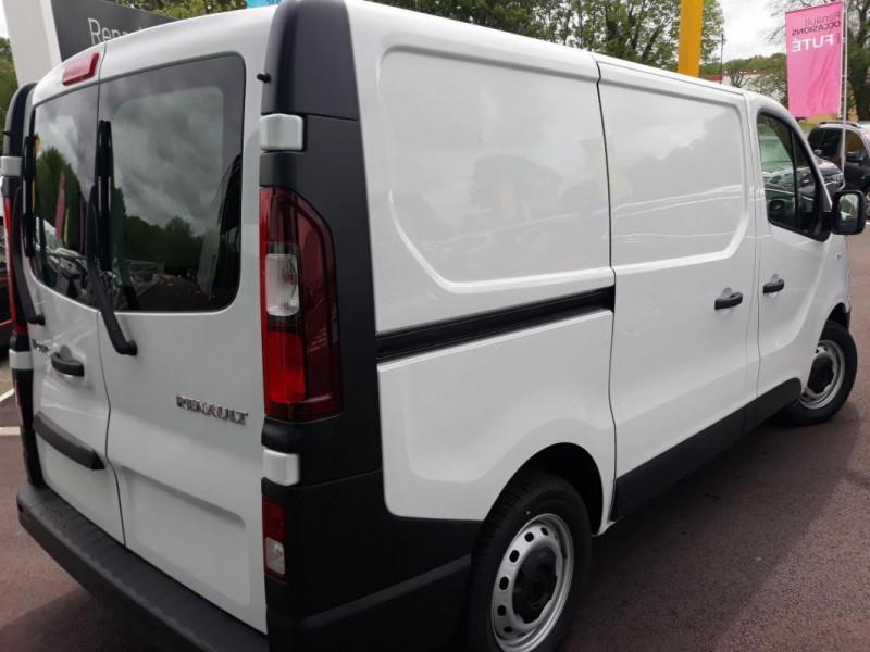 Renault Trafic FOURGON FGN L1H1 1000 KG DCI 120 Blanc occasion à COUTANCES - photo n°3