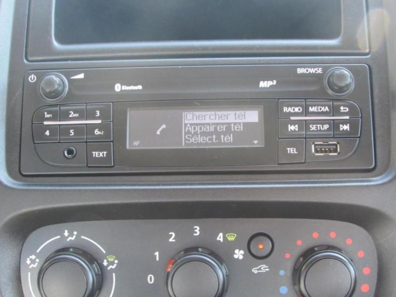 Renault Trafic FOURGON FGN L1H1 1000 KG DCI 95 E6 Blanc occasion à VALFRAMBERT - photo n°6