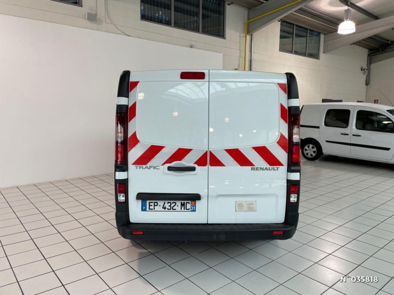 Renault Trafic L1H1 1000 1.6 dCi 95ch Stop&Start Confort Euro6 Blanc occasion à Beauvais - photo n°3