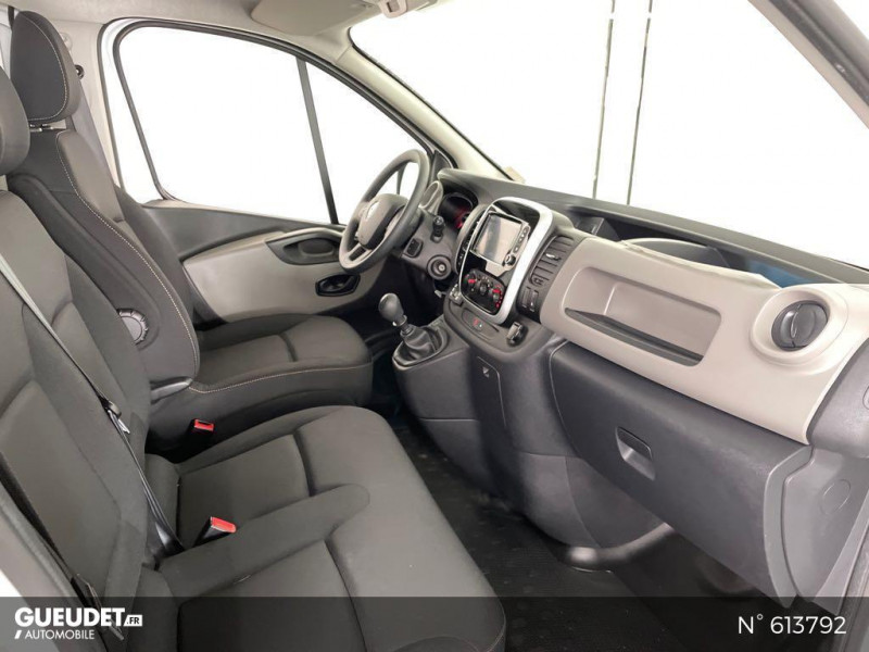 Renault Trafic L2H1 1200 1.6 dCi 125ch energy Confort Blanc occasion à Rivery - photo n°4
