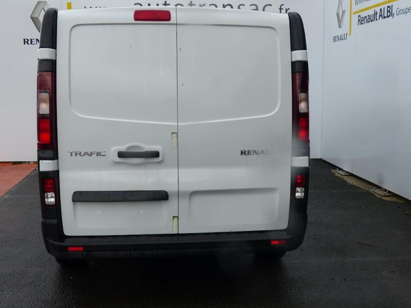Renault Trafic L2H1 1200 2.0 dCi 120ch Cabine Approfondie Grand Confort E6 Blanc occasion à Aurillac - photo n°6
