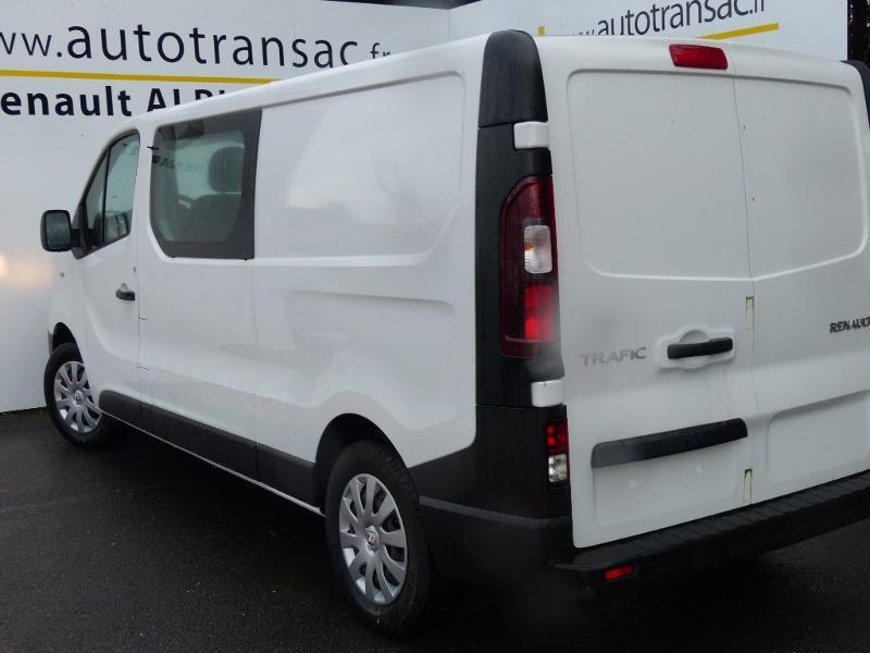 Renault Trafic L2H1 1200 2.0 dCi 120ch Cabine Approfondie Grand Confort E6 Blanc occasion à Aurillac - photo n°7