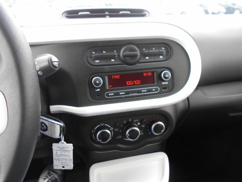 Renault Twingo 3 0.9 TCe 90 Energy E6C Intens Gris occasion à Bessières - photo n°2