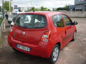Renault Twingo II 1.2 16v 75ch Authentique Rouge occasion à Portet-sur-Garonne - photo n°2