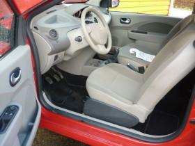 Renault Twingo II 1.5 dCi 65ch Expression Rouge occasion à Portet-sur-Garonne - photo n°5