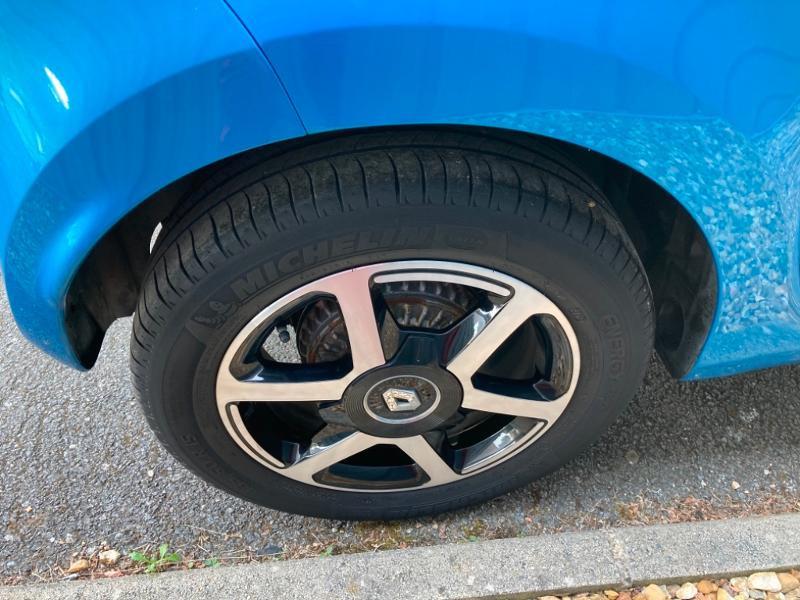 Renault Twingo 1.0 SCe 70ch Intens Boîte Courte Euro6 Bleu occasion à Saint-Doulchard - photo n°9