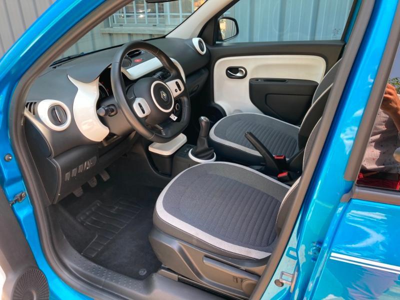 Renault Twingo 1.0 SCe 70ch Intens Boîte Courte Euro6 Bleu occasion à Saint-Doulchard - photo n°16
