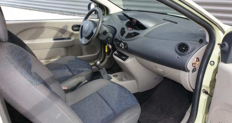 Renault Twingo 2 1.2 60 authentique bv5 o Vert occasion à FONTENAY SUR EURE - photo n°7