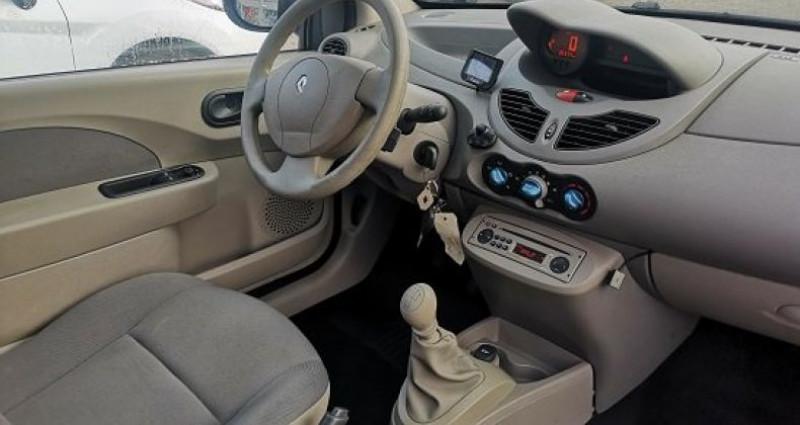 Renault Twingo EXPRESSION Gris occasion à Les Pennes-Mirabeau - photo n°5