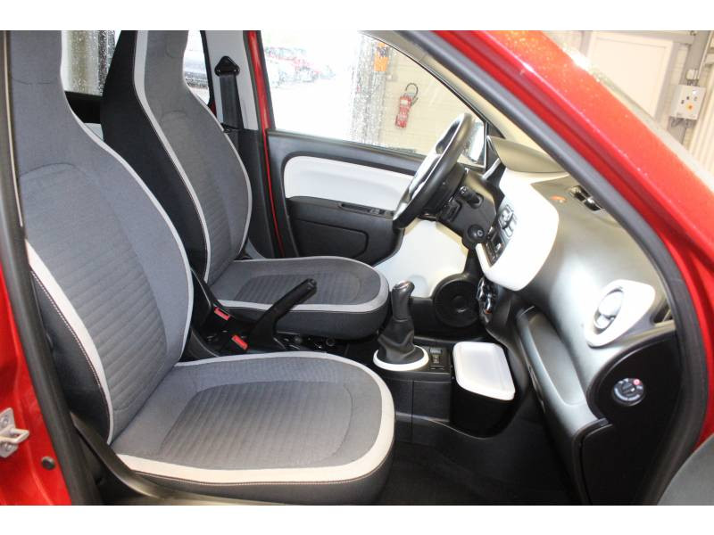 Renault Twingo III 1.0 SCe 70 E6C Intens Rouge occasion à TARBES - photo n°14