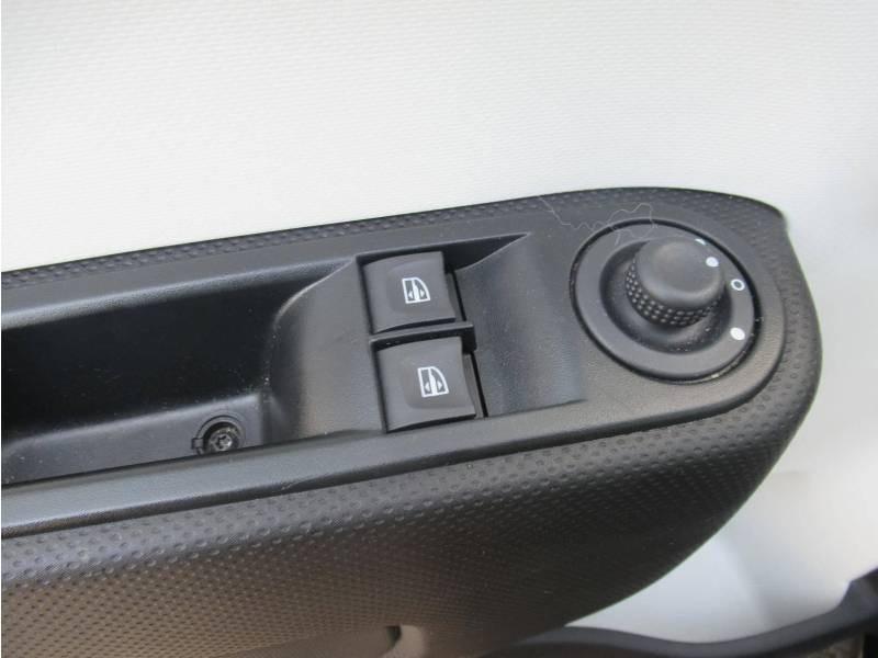 Renault Twingo III SCe 75 - 20 Zen Noir occasion à SAINT-BRIEUC - photo n°11