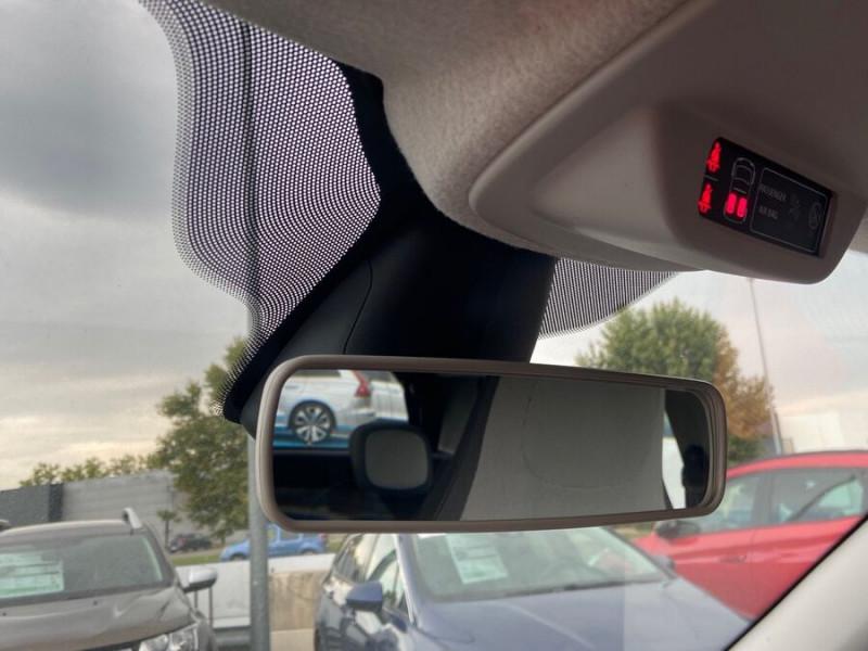 Renault Twingo Tce 65 ZEN Pack Modularité Blanc occasion à Montauban - photo n°16