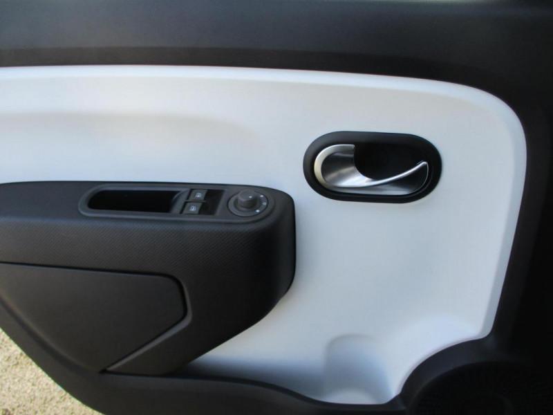 Renault Twingo Zen SCe 75 - 20 Blanc occasion à PAIMPOL - photo n°12