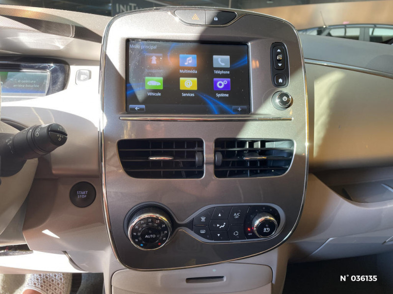 Renault Zoe Edition One charge normale R90 Blanc occasion à Saint-Maximin - photo n°11