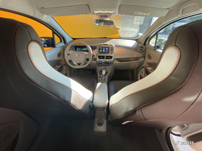 Renault Zoe Edition One charge normale R90 Blanc occasion à Saint-Maximin - photo n°10
