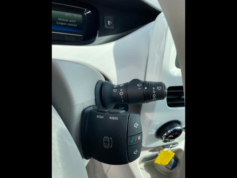 Renault Zoe Life charge normale R75 Blanc occasion à Albi - photo n°20