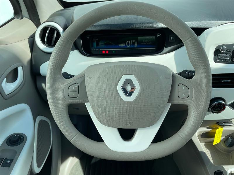 Renault Zoe Life charge normale R75 Blanc occasion à Albi - photo n°14