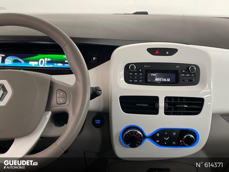 Renault Zoe Life charge normale R75 Blanc occasion à Rivery - photo n°11