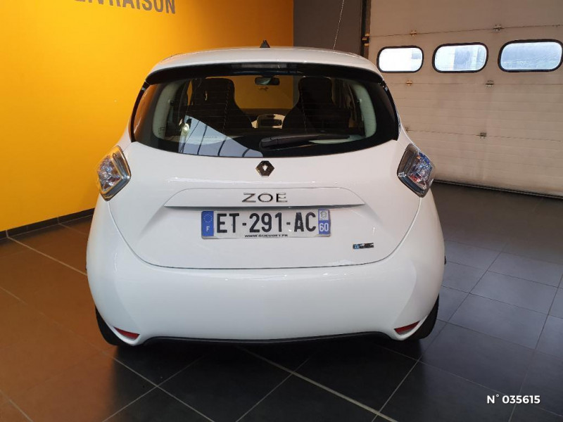 Renault Zoe Life charge normale R75 Blanc occasion à Saint-Maximin - photo n°3