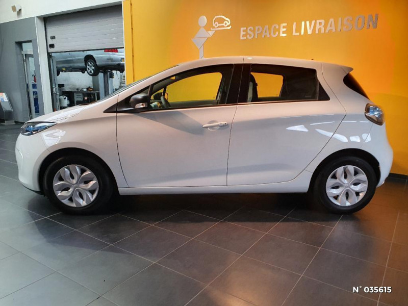 Renault Zoe Life charge normale R75 Blanc occasion à Saint-Maximin - photo n°8